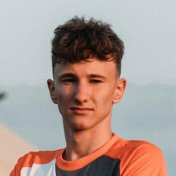 zdjęcie piłkarza